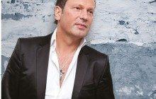 Singer Ronnie van Bemmel